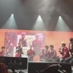Seventeens vocal line singing One Directions One Thing! #SVTinSYD #Seventeen #Carats #ShiningDiamond https://t.co/vM5mJU15qW