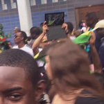 A man brang his laptop to record carnival uno #NottingHillCarnival #carnival2016 https://t.co/FpWklQkA34