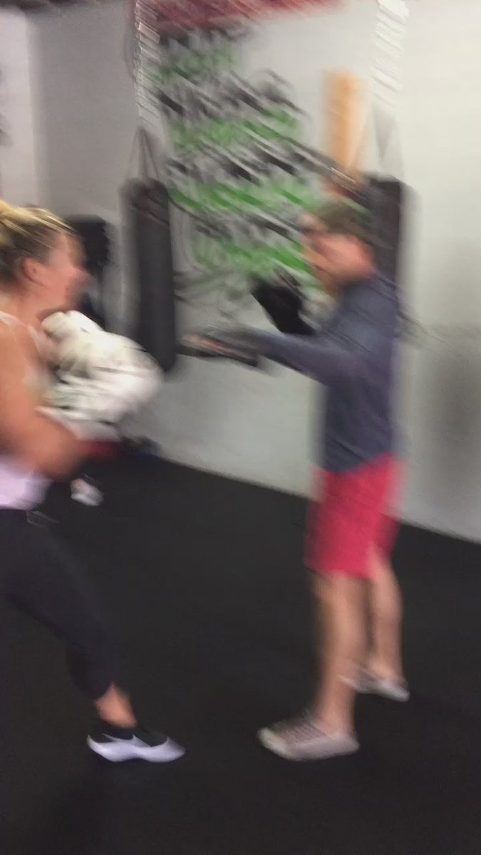 Brought back great memories of boxing training when I was a young girl... ???????? https://t.co/qJpdSTui31