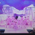 Rihanna abriendo la gala de los #VMAs con su actuacion 😍 https://t.co/aIoDDi9P5W