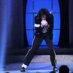 """#Efemerides730  1958 Nace el cantante estadounidense Michael Jackson, """"El Rey del Pop"""" @ABCEspectaculos https://t.co/89tvG9IX1N"""