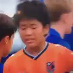 CLASS: Barcelona Youth players show an amazing display of sportsmanship after beating this Japanese side in a final. https://t.co/B5toplAtjv