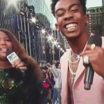 They asked Desiigner to freestyle yall, dont why ol girl had to do my mans like this 😂😭 #VMAs https://t.co/T2mPBW1Uax