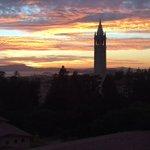 Damn, Berkeley.  #sunset #bayarea #sunsetchaser #timelapse https://t.co/Rt5bDiozbh