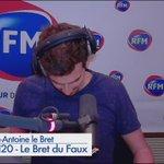 Marc Antoine le Bret imite Unai Emery. Cest juste énorme^^ #PSG https://t.co/Z3ORZ3mYpV