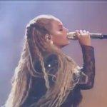 Beyonce cantando a parte da Dinah em voicemail. Amei??!!!!??!????!!!!??? https://t.co/kFWR6M81Re