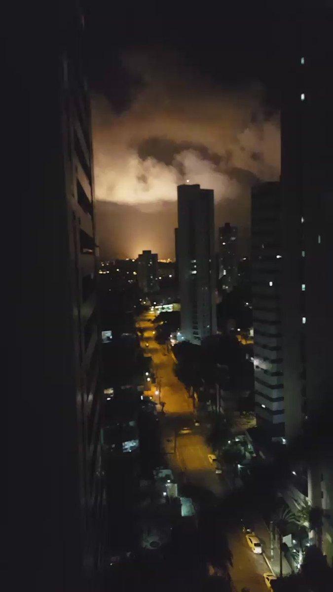 Quem sabe o que ocorreu? Filmado instantes atras na zona norte do Recife https://t.co/NlJe57FYHA