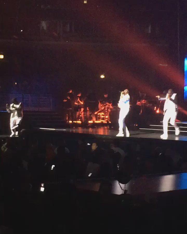 #112 whole crowd singing along... #BadBoyFamilyReunionTour #hiphop #Chicago https://t.co/hmcqVMvL39