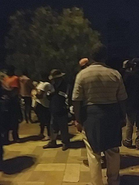 O Batalhão de Choque entra no Largo da Batata e sem nenhum motivo começa a agredir as pessoas. Veja qdo chegaram https://t.co/jR7zC3dJml