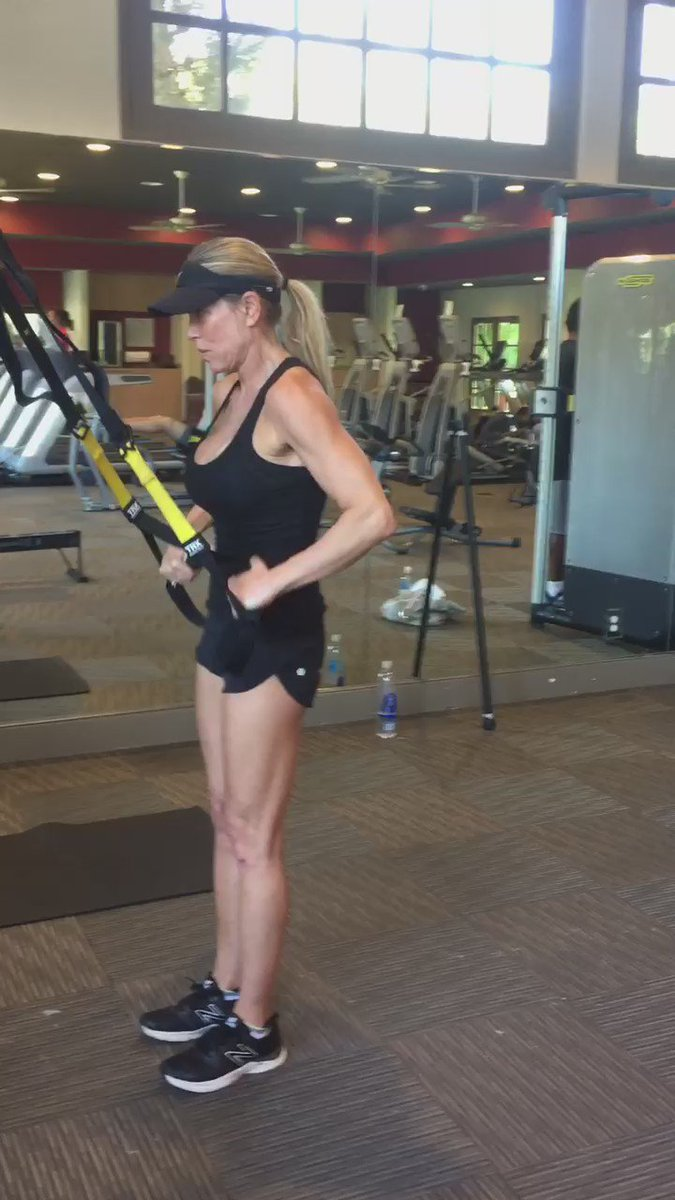 Always time to fit in a great workout @LaQuintaResort.  I ❤️ the new gym.  #desertretreat #TRXrowtosuperman https://t.co/cHzpxv0sFM