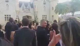 Miraaa Any! 'Salvame' en una boda aqui en Brasil! Ya viste que bonito? @Anahi ����❤️ https://t.co/xcQXrCPiny