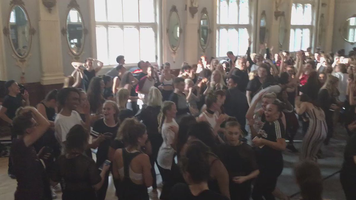 It's safe to say that #FullOutFriday @Urdang_Academy was what it says on the tin! Lol. Welcome to #Urdang!
