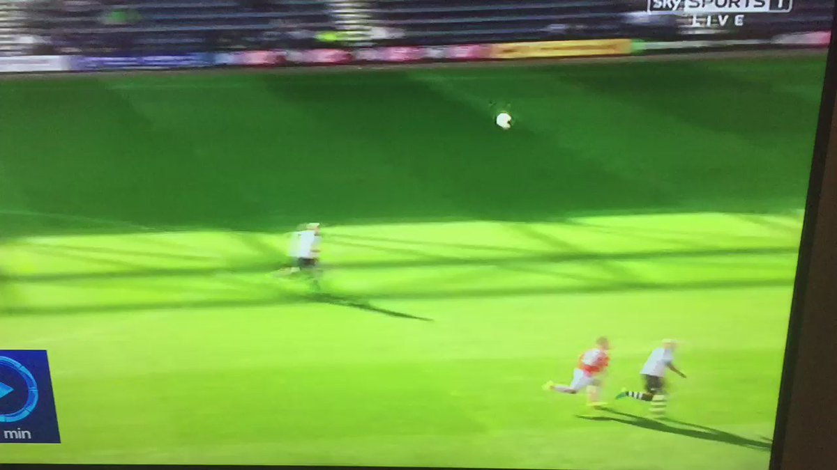 Adam Armstrong goal earlier this afternoon - top class https://t.co/5mDRz1OZxW
