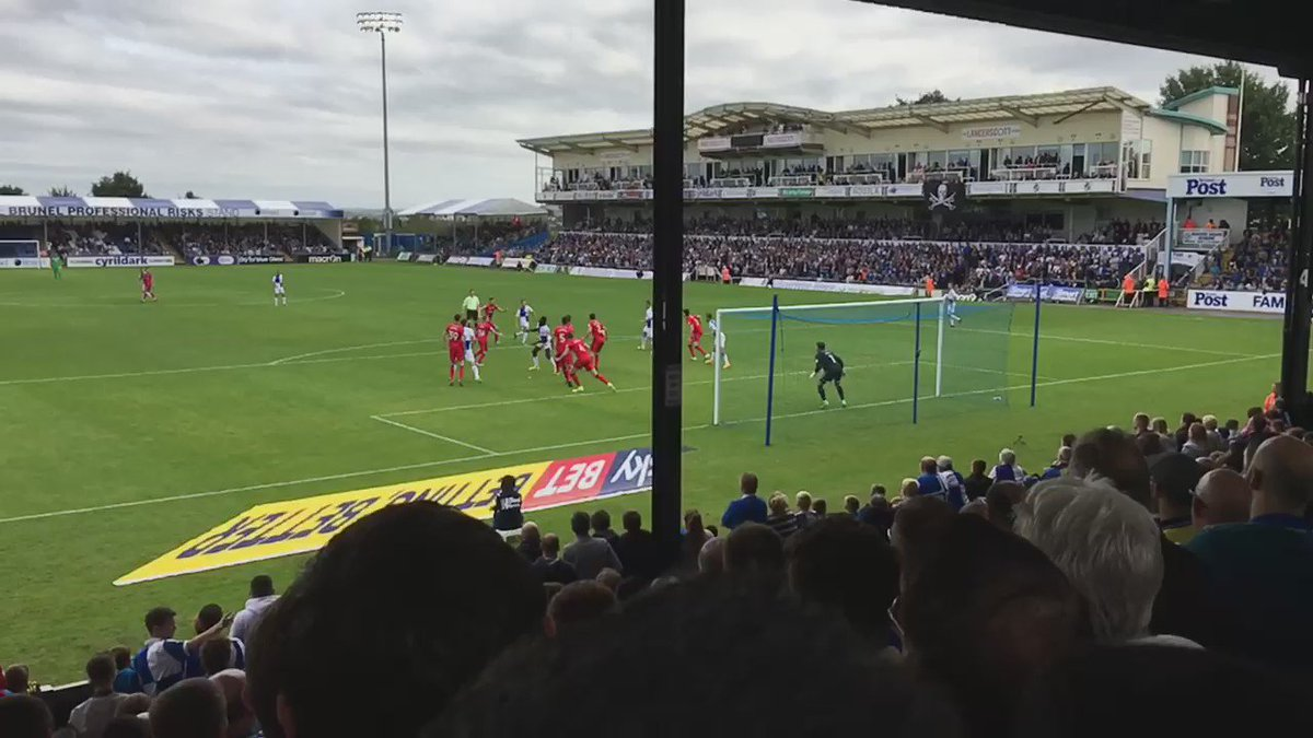 Bristol Rovers 2-2 Rochdale @matthewtaylor69 stunning goal, in SLOW MOTION. https://t.co/WkznDFiBXW