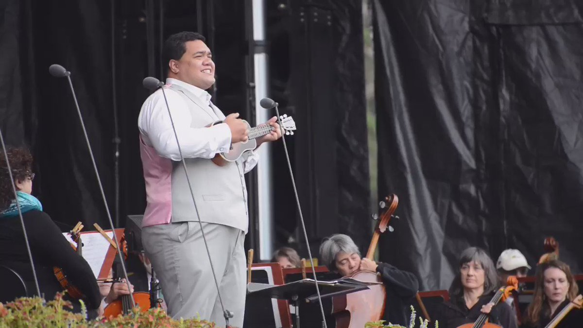 Pene Pati performing Somewhere Over the Rainbow in the style of Israel Kamakawiwo'ole #OperaInThePark https://t.co/1qNWH6H8Sk