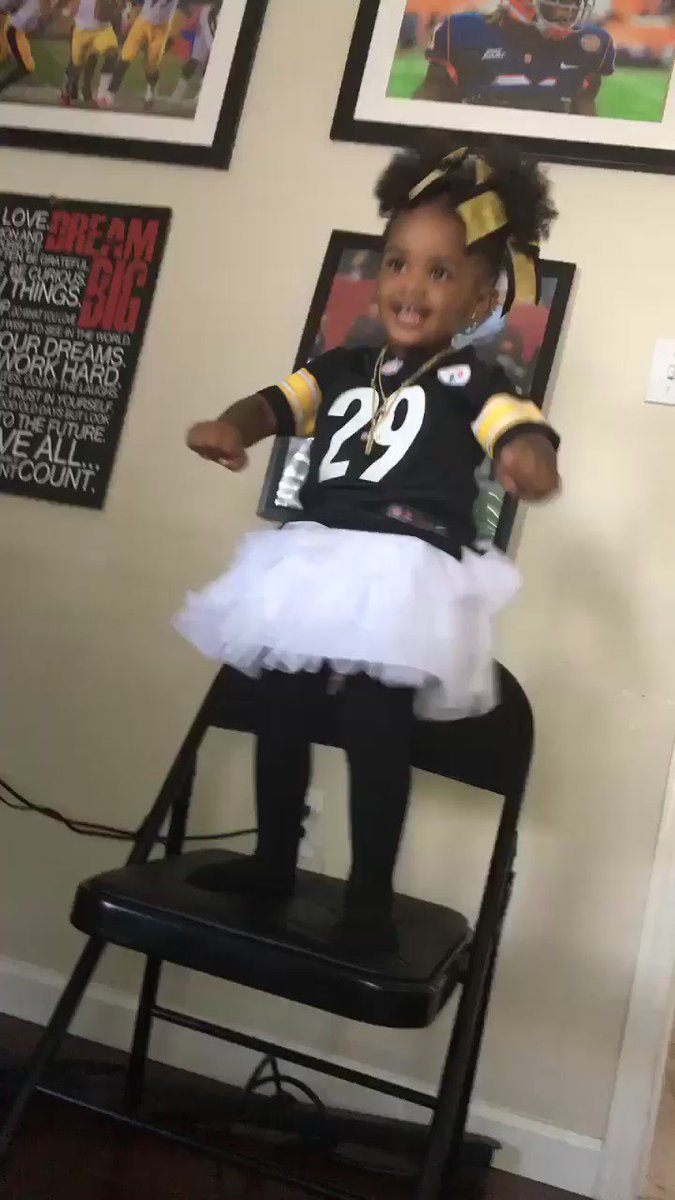 Daddy's little girl is  Game ready Lets GO STEELERSNATION!!! https://t.co/plrF8get6M