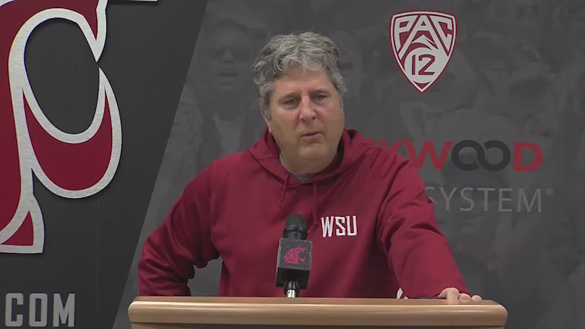 Here's the best of Mike Leach today. MUST WATCH for #Cougars, #Huskies, and all fans everywhere. Hilarious. https://t.co/IAyWV9OemA