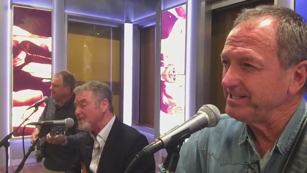 """Sound check on @foxandfriends ready to sing """"Stand Up and Say So"""" @RudyGatlin @Steve_Gatlin https://t.co/TcJZyN6keO"""