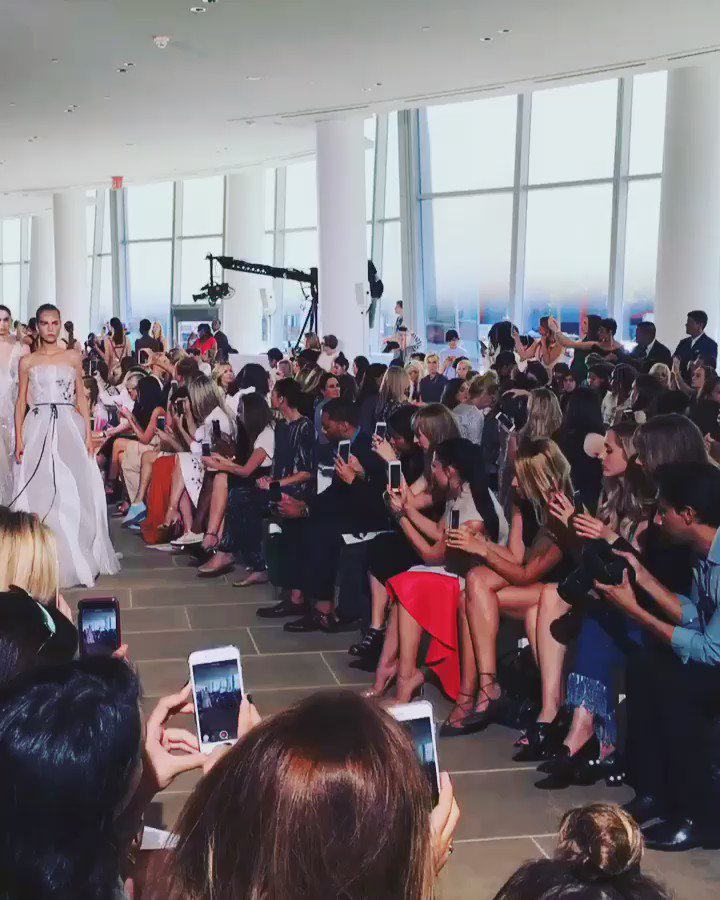 Loving these spring looks from the @M_Lhuillier show. #hlfashion #nyfw https://t.co/HzE6tMdjJe