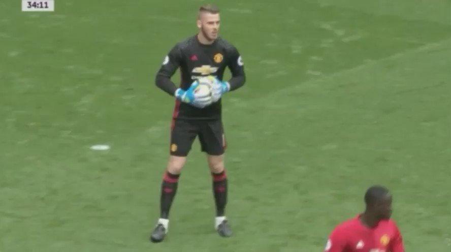 #ManchesterDerby - Salir jugando con Claudio Bravo.  (jugada previa al gol de Iheanacho vs Man.Utd) https://t.co/vy9jNpxsS0