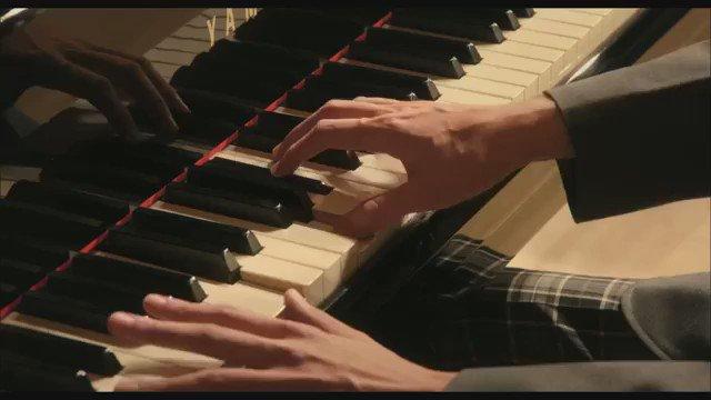 @94kentoo0907: 女優さん、俳優さん初めて触った楽器をこんなにも弾けるようになるって、改めてすごいなぁ🤔💭自