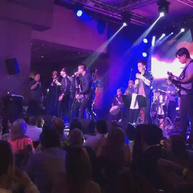 ¡Los grandes @OficialGUACO en #HardRockCafeSantoDomingo! Video de: @yespaillat09 https://t.co/PAYlM3I91n