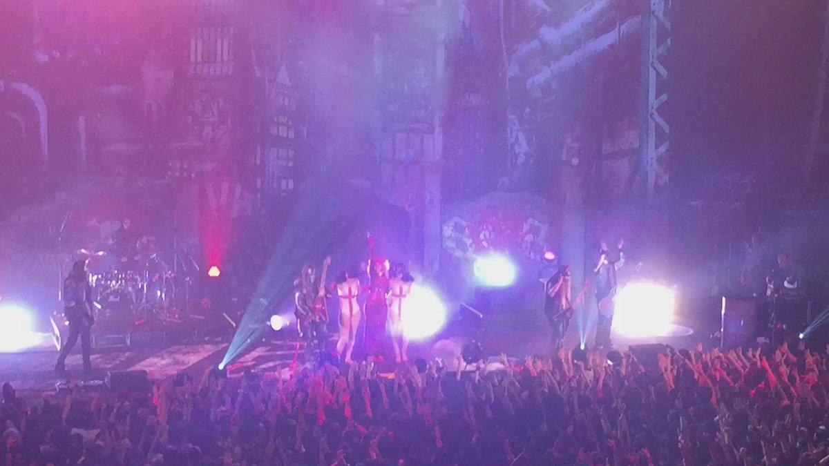 IN THIS MOMENTが参加させていただいた「VAMPS LIVE2016」ZEPP TOKYOが先ほど終了