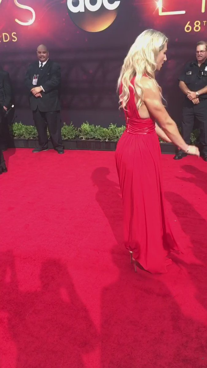 #Emmys2016 Red Carpet for #AmericanNinjaWarrior @jessiegraffpwr blowing minds. https://t.co/4sOBz1fAOx