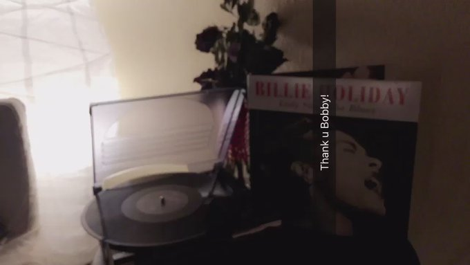 Back home in LA. Sweet dreams everyone and thank you Bobby for my vinyl 💘 https://t.co/ILKwxO5rND