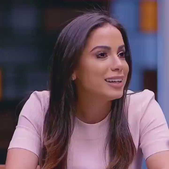 Anitta me definindo https://t.co/BDTV5wqe8I