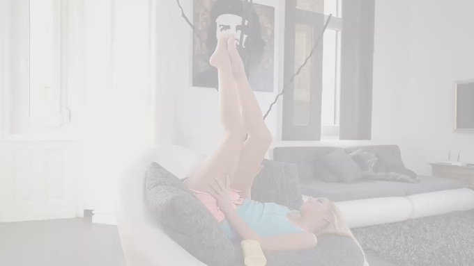 #DDFAwards2016 Foot Fetish Sex Goddesses @NestyXXX @AlexaTomasX @StellaCoxXX @DollyDiore https://t.c
