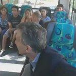 Video demuestra que Macri subió a un colectivo en servicio y habló con pasajeros reales en Pilar https://t.co/D234GmkDJd