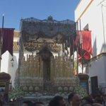 Blanca luz del Porvenir. La Paz toma su barrio camino de la Catedral #CoronacionPazSevilla https://t.co/2MwQHKtJ2w
