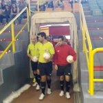 ¡Salta a la pista el R. Betis Futsal B! Comienza el partido en el Fco. De Dios Jiménez #VamosBetis https://t.co/TaSu3YltpW
