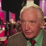 Dennis Skinner is simply delighted by @jeremycorbyn re-election as Labour Leader! @ITVCentral https://t.co/yxK4L06Vzw