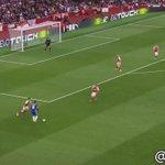 RECITAL GOONER. La contra del Arsenal que terminó en GOLAZO de Mesut Özil. [Vídeo vía @ArsenalTerje]. https://t.co/SisC18CgmX