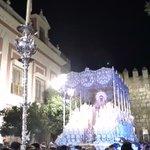 22:30 • Sorpresa de la @AMENcarnacion_ para la Virgen de la Paz de la @HermandadPaz en su #CoronacionPazSevilla https://t.co/CjQRncN0Dr