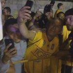 Al finalizar el partido de @TigresOficial, el francés @10APG atendió a los aficionados. https://t.co/qTsqqB1u8k