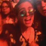 VIDEO • Lauren com Lucy hoje! (via @LMJupdates) #1 https://t.co/0byzoqt9VB