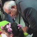 """#فيديو / وزير التربية يجول على مدارس جنوب السره ويسأل تلميذه : """" شنو ترسمين """" #الكويت https://t.co/Jh8t8na8h2"""