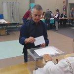 Urkullu, candidato del PNV a la reelección como lehendakari, vota en Durango https://t.co/oLc5YUjBh6 #25S https://t.co/lPzA8toQEn