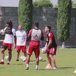 Hauche convirtiendo un golazo en un entrenamiento. Cosas de todos los días. (Vía @clubfansxolos1) https://t.co/D3FbxIsfMH