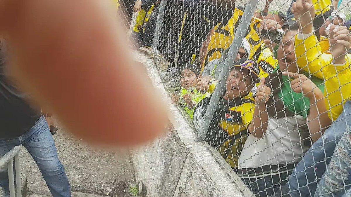 #BarcelonaSC Que triunfo! Que huevos! Grande equipo!! Gracias hinchada!! https://t.co/H17s9miYtn