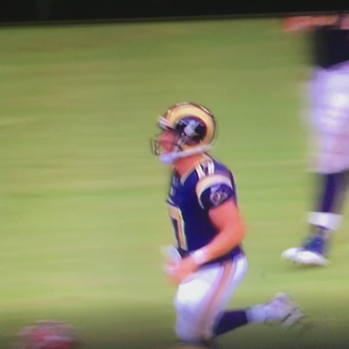 Tavon Austin hit Lor Scoota's Bird Flu for TD celebration #ripupnext #baltimore #dunbar https://t.co/HOhV1rbmew