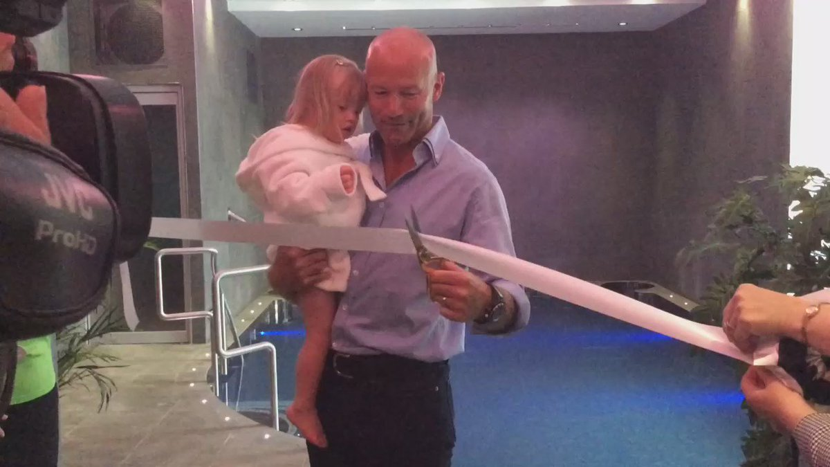 With the help of little Jessica, @alanshearer opens the new hydrotherapy suite at Newcastle's Alan Shearer Centre. https://t.co/BfGQlc9d8L
