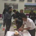 #RicardoQuaresmanın doğum günü, antrenman öncesi kesilen pastayla kutlandı. #Beşiktaş @07RQuaresma https://t.co/Ve4UPZUnKb