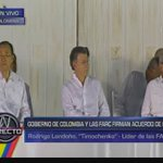 "EN VIVO: Rodrigo Londoño Timochenko : ""Que Dios bendiga Colombia se acabó la guerra""►https://t.co/JKgXTafutB https://t.co/SR9IkntuXW"