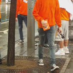 🐶 : 우산 없는 사람 있어? https://t.co/js6fH9nWFB
