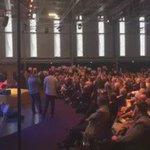 """""""Locataires en colère """". Le discours de @manuelvalls est interrompu au #CongresHLM #Nantes https://t.co/shVTvsAlb5"""