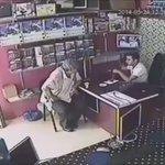 Depremden kaçarken çayı unutmayan adam gibi adamlar https://t.co/JtgJ2W8MIF